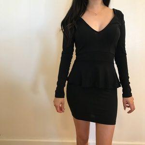 Dresses & Skirts - 🆕 Black Deep V Peplum Mini Dress